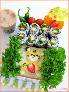 Cooking Gallery: Tiger Sammy & Sushi Picnic Bento