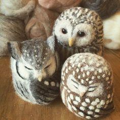 Needle Felted Ural Owl by NeedlefeltCorne Felt Owls, Felt Birds, Felt Animals, Felted Soap, Wet Felting, Needle Felted Owl, Needle Felting Tutorials, Owl Crafts, Felt Ornaments