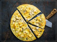 Pizza Bianca ai funghi Pizza Bianca, Italian Dishes, Fungi, Lamb, Main Dishes, Pineapple, Pork, Vegetarian, Beef