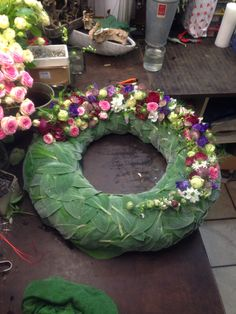 Flower Wreath Funeral, Funeral Flowers, Summer Wreath, My Flower, Flower Arrangements, My Design, Floral Wreath, Wreaths, Projects