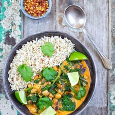 Sweet Potato & Black Bean Stew - Healthy Living James Gluten Free & Vegan and £1 a portion! Breakfast Lunch Dinner, Dessert For Dinner, Breakfast Bars, Black Bean Stew, Vegan Gluten Free Breakfast, Chickpea And Spinach Curry, Snacks To Make, Vegetable Puree, Allergy Free Recipes