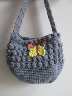 Petit sac bandoulière fillette couleur grise agrémenté d'un papillon jaune, gris, orange : Sacs enfants par les-fantaisies-de-celine