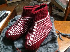 Ravelry, Slippers, Knitting, Crochet, Amazing, Projects, Shoes, Fashion, Log Projects