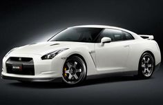 Nissan GT-R Nismo, the fastest GT-R ever - The news, articles, reviews, comments, prices of cars and motorbikes.