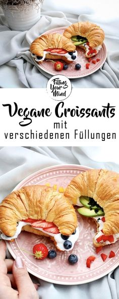 Langeweile ist die beste Voraussetzung für dieses Rezept – wer im Stress ist,… Boredom is the best prerequisite for this recipe – who is in stress, should not make their own puff pastry, because the whole procedure is incredibly time consuming! Health Breakfast, Vegan Breakfast, Breakfast Recipes, Vegan Blogs, Vegetarian Recipes, Vegan Croissant, Clean Recipes, Whole Food Recipes, Best Pancake Recipe