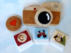 Hipster Felt Camera with Polaroids from Paper and Play things on Etsy!