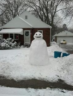 Frosty Just Became Your Worst Nightmare In These 16 Creepy Snowmen Photos 26 - https://www.facebook.com/diplyofficial