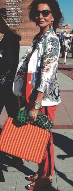 Fashion Over, Boho Fashion, Womens Fashion, Armani Blazer, Older Women Hairstyles, Aging Gracefully, Timeless Beauty, Mix Match, Hippy