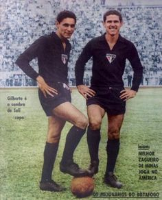 Gilberto e Suly, goleiros do tricolor nesta capa da revista do Esporte, edição número 267.