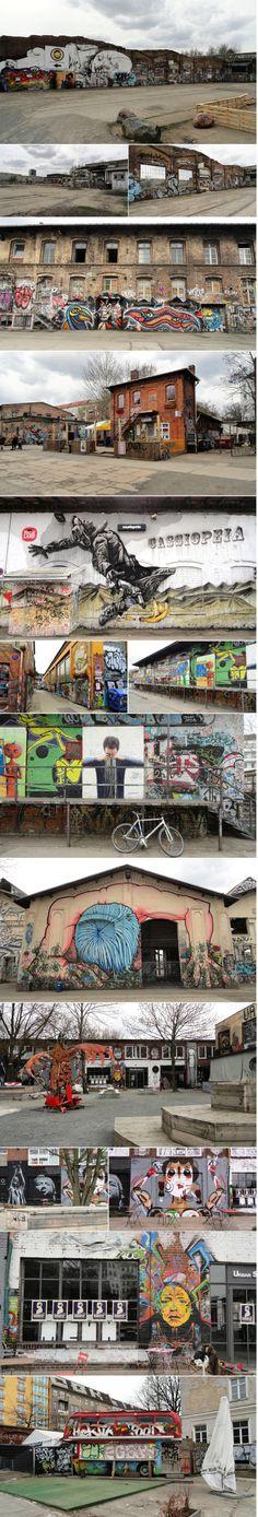 RAW-Tempel, Revaler Strasse, BERLIN. In het voormalige Oost-Berlijn werden op deze plek treinen gerepareerd. Nu is het een culturele plek voor jong en oud. Er is een biertuin en een klimmuur.