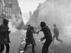 Hulton-Deutsch Collection, May Riots, Paris, France, 1968 Marie Curie, James Dean, Steve Jobs, Mai 68, Image Paris, Nicolas Sarkozy, Album Sales, Social Injustice, Best Albums