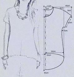 "vamos combinar: MOLDE BLUSA MULLET ""Smooth sleeve hi/low tshirt"", ""check out my website for more . Tunic Sewing Patterns, Sewing Blouses, Clothing Patterns, Dress Patterns, T Shirt Patterns, Sewing Stitches, Coat Patterns, Clothing Ideas, Fashion Sewing"