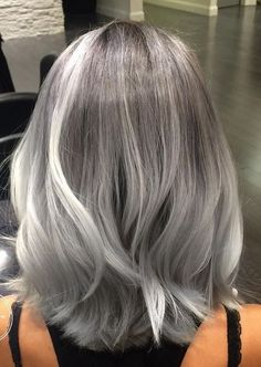 40 Absolutely Stunning Silver Gray Hair Color Ideas, These 40 absolutely stunnin. - - 40 Absolutely Stunning Silver Gray Hair Color Ideas, These 40 absolutely stunning silver gray hair color ideas should not be considered as granny hair. Gray Hair Highlights, Platinum Highlights, Coiffure Hair, Transition To Gray Hair, Silver Grey Hair, Silver Hair Colors, Grey Hair Colors, Short Silver Hair, Dark Grey Hair