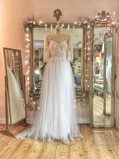576bb525591c SAMPLE SALE; pale ivory fairytale beaded floral tulle wedding dress, UK  size 8/10