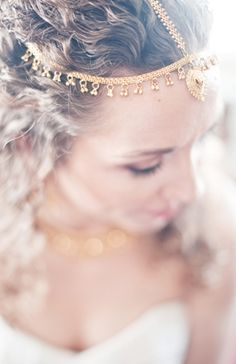 Hair chains are making a major statement this season. Great for the bride who just knows she's going to get that veil snagged on everything. Boho #Wedding Bride