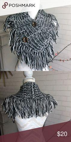 Fringe Infinity Scarf Black and white Marled Chunky knit infinity scarf with faux button detail.    ʙʟᴀɴᴋᴇᴛ sᴄᴀʀғ ᴘʟᴀɪᴅ ᴄʜᴏᴋᴇʀ ғʀᴇᴇ ᴘᴇᴏᴘʟᴇ sᴜᴇᴅᴇ ʟᴇᴀᴛʜᴇʀ ᴠᴇʟᴠᴇᴛ ᴠɪᴄᴛᴏʀɪᴀ's sᴇᴄʀᴇᴛ  ᴄᴏᴀᴛ sᴡᴇᴀᴛᴇʀ ᴛʜɪᴄᴋ ᴄʜᴜɴᴋʏ ᴋɴɪᴛ ᴘɪɴᴋ ᴋʏʟɪᴇ sᴛᴀssɪᴇ ᴋᴇɴᴅᴀʟʟ ғʀɪɴɢᴇ ᴏᴠᴇʀ ᴛʜᴇ ᴋɴᴇᴇ ᴛʜɪɢʜ ʜɪɢʜ ᴛʀᴇɴᴅɪɴɢ ғᴀʟʟ ᴄᴏᴢʏ ᴡᴀʀᴍ sɴᴜɢɢʟʏ sᴏғᴛ ʙᴏᴍʙᴇʀ ᴊᴀᴄᴋᴇᴛ ᴄᴀʀᴅɪɢᴀɴ ʟᴜʟᴜʟᴇᴍᴏɴ ᴅʀᴇss ᴍᴀᴄ ᴛ&ᴊ ᴍɪɴᴛᴘᴇᴀʀ ᴅᴇɴɪᴍ sᴛʀɪᴘᴇ ᴜᴛɪʟɪᴛʏ ʟᴏᴜɪs ᴠᴜɪᴛᴛᴏɴ ᴛɪғғᴀɴʏ ᴄᴇʟɪɴᴇ ᴘᴜʀsᴇ ʙᴀɢ ᴘʜᴀɴᴛᴏᴍ Anthropologie, Ovesized, slouchy Accessories Scarves & Wraps