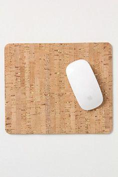 Onze kurk vloer tegels kunnen ook perfect versneden worden tot muismatjes.
