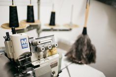 from the lovely blogger Jules at herzundblut.com // overlock, sewing machine, monkind at work, ostrich feather