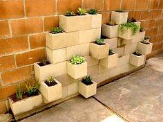 Briketlerden Bahçe Saksıları Yapma Fikri – Dekorasyon Önerileri Ev Dekorasyon Fikirleri