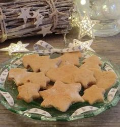 Christmas gluten-free and lactose-free cinnamon and lemon Christmas cakes - Miam Patisserie Sans Gluten, Dessert Sans Gluten, Lactose Free, Dairy Free, Gluten Free, Gingerbread Cookies, Christmas Cookies, Biscuit Cookies, Foods With Gluten