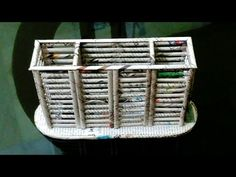 How to make a newspaper pen /pencil holder / spoon holder / kitchen orga. Recycled Paper Crafts, Recycled Magazines, Cardboard Crafts, Diy Cardboard Furniture, Paper Furniture, Furniture Styles, Newspaper Basket, Newspaper Crafts, Diy Desktop Organizer