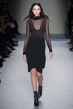 Roland Mouret Fall 2015 Ready-to-Wear - Collection - Gallery - Style.com