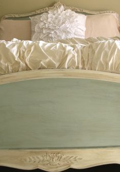 Annie Sloan painted bed.Now I just need to find this frame!