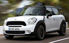 เวอร์ชั่นยกสูงขับเคลื่อน 4 ล้อในแบบเอสยูวีของมินิ คูเปอร์ แบรนด์รถเล็กชื่อดังจากอังกฤษเผยโฉมตัวลุยรุ่นใหม่ในชื่อคันทรี่แมน ซึ่งจะเผยโฉมครั้งแรกในเจนีวา http://www.car-today.com