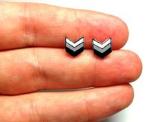 Hey, I found this really awesome Etsy listing at http://www.etsy.com/listing/153310849/lil-chevrons-post-earrings