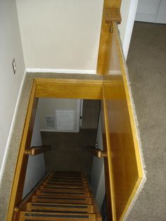 New hidden attic stairs trap door Ideas Basement Entrance, Basement Stairs, Hidden Spaces, Hidden Rooms, Stair Storage, Hidden Storage, Door Storage, Trap Door, Attic Stairs
