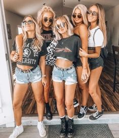 Look festival ❤ Cochella Outfits, Festival Looks, Shooting Photo Amis, Mode Outfits, Fashion Outfits, Casual Outfits, Casual Jeans, Simple Outfits, Girl Outfits