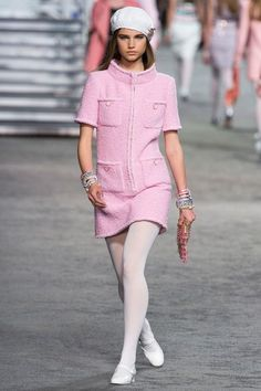 View the full Resort 2019 collection from Chanel.