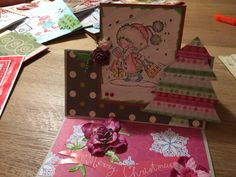 Kerstkaart don en daisy Atc, Daisy, Mixed Media, Card Making, Gift Wrapping, Scrapbook, Homemade, Cards, Gifts