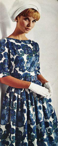 Vintage Fashion 60s blue white print dress full skirt model magazine ♥ 1965