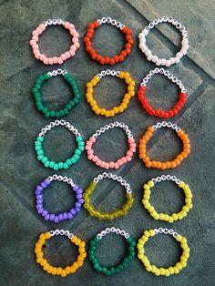 friendship bracelets with beads Rave Bracelets, Pony Bead Bracelets, Beaded Braclets, Summer Bracelets, Gold Bracelets, Beaded Jewelry, Diamond Earrings, Jewelry Necklaces, Beaded Bracelets Tutorial