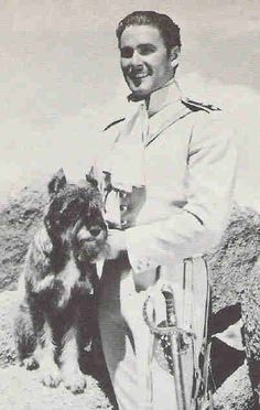 0 errol flynn in costume with his Schnauzer dog Arno Schnauzers, Schnauzer Dogs, Mini Schnauzer, Miniature Schnauzer, Errol Flynn, Cute Dog Pictures, Dog Photos, Vintage Hollywood, Classic Hollywood