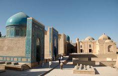 Shah i Zinda - Samarkand, Samarkand. Uzbekistan. Silkkitien sydämessä. / Deep in the Silkroad.