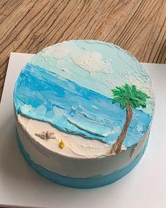 """코이크 on Instagram: """"곧 여름인가봐요 - 청량한 여름의 케이크들 / 오늘도 감사합니다 🌻 / 오늘 메세지 남겨주신분들 내일 순차적으로 상담 도와드릴게요 / 내일은 매장영업은 하지 않으니 이용에 참고부탁드려요- 행복한 밤 되세요!"""" Cute Desserts, No Bake Cake, Plates, Photo And Video, Baking, Tableware, Instagram, Licence Plates, Dishes"""
