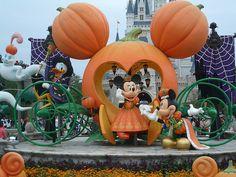 Halloween Mickey and Minnie. Love that pumpkin coach!