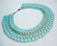 Free pattern for beaded necklace Azul You need size 11/o seed beads & 6mm rounds/pearls. #Seed #Bead #Tutorials