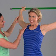 Keppi käteen ja venyttelemään. Tv-juontaja Ella Kanninen opettelee helpon keppijumpan.
