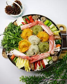Food Porn, Korean Food, Cobb Salad, Soup Recipes, Baking, Bottles, Cook, Drinks, Beverages