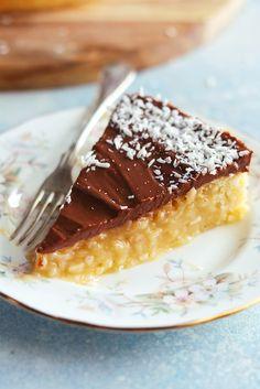 Kokoskladdkaka – My Kitchen Stories Cookie Cake Pie, Cookie Desserts, No Bake Desserts, Yummy Treats, Delicious Desserts, Sweet Treats, Mousse Dessert, Oreo Cheesecake, Cookies Subway
