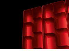 DISPLAY by UPPER PANAMA: Ideal para hoteles, oficina, hogar, restaurantes y auditorios.  Es iluminado con tecnología LED (de color RGB o luz blanca). Se puede suministrar con diferentes acabados: grabado en relieve, impreso, brillante, barnizado Mi Softy (tecnología especial que crea una superficie en particular correoso y suave).