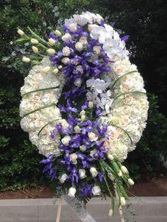 Funeral Spray Flowers, Flower Wreath Funeral, Funeral Sprays, Funeral Floral Arrangements, Flower Arrangements, Diy Wreath, Wreaths, Angel Wings Decor, Casket Sprays