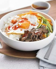Low FODMAP Recipe and Gluten Free Recipe - Sushi rice bowl with beef, egg & chilli sauce