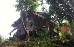 A typical house in the Akha hill tribe village in #Thailand. Perched at the head of a curving valley on the slopes of Doi Hang mountain, most of the village houses are still made of traditional bamboo, raised on stilts with covered outdoor platforms. Homes can be rented for a vacation full of solitude, sights and ambiance. #travel #vacation