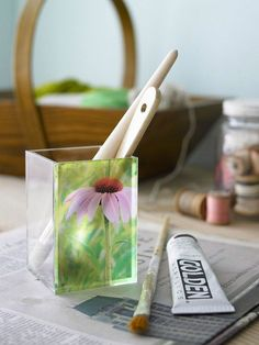 If you love to craft, these easy paper projects are for you. Decorate your home with handmade decor that you can DIY to add personalization to your favorite rooms. We also love that these transfer paper projects are inspired by nature. Diy Projects To Try, Crafts To Make, Fun Crafts, Craft Projects, Arts And Crafts, Paper Crafts, Craft Ideas, Diy Paper, Craft Gifts