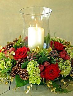 Slavnostní květinová vánoční aranžmá