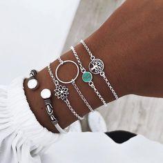 Silver Earrings With Pearls Info: 9945237852 Bohemian Bracelets, Cute Bracelets, Handmade Bracelets, Fashion Bracelets, Handmade Jewelry, Fashion Jewelry, Chain Bracelets, Stylish Jewelry, Cute Jewelry